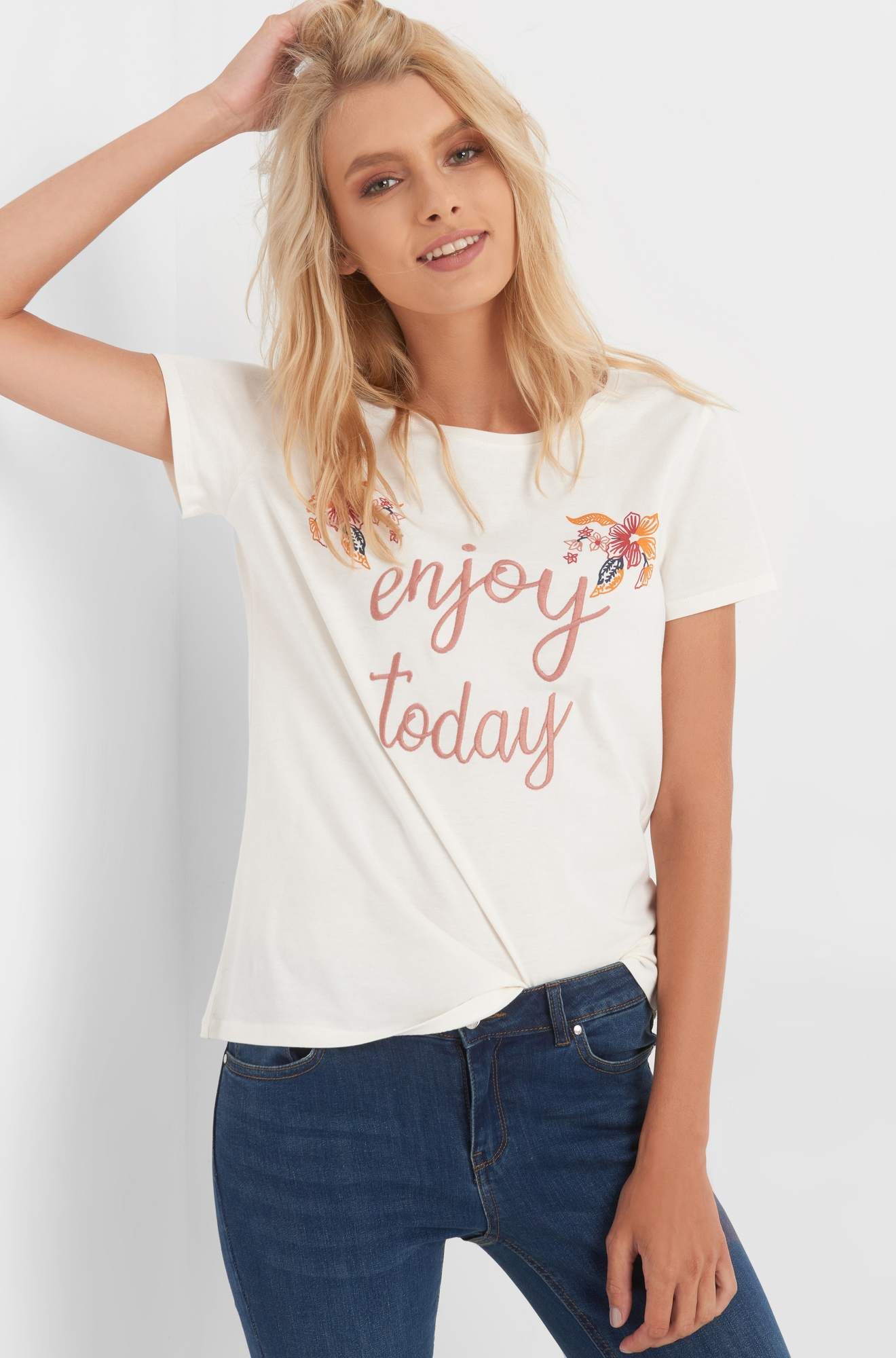 Slogan T-Shirt mit Stickerei